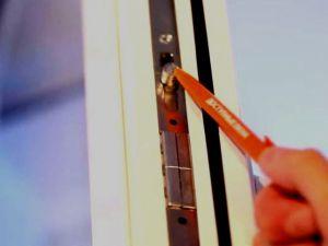 Jak wyregulować okna plastikowe2