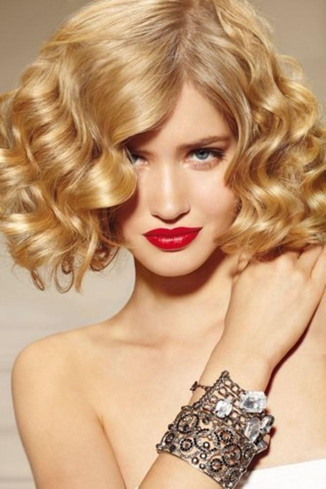 Jaký účes můžete zvolit pro kudrnaté vlasy3