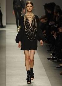 jak zdobit černé šaty 6