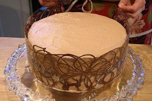 Как красиво украсить торт шоколадом 3