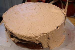 Как красиво украсить торт шоколадом 1