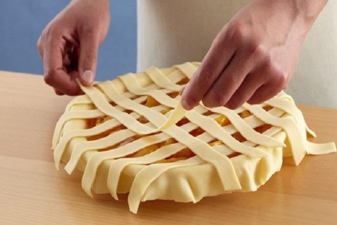 Како украсити торту