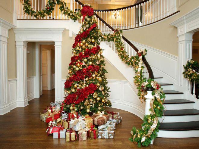Новогодние украшения для лестницы в доме