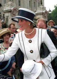 Принцеса Диана Стил или как да се обличаш като цар 3