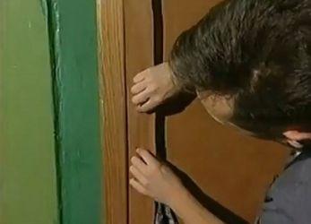 Jak otoczyć drzwi dermantinum