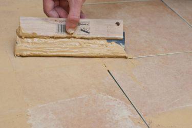 Kako izbrisati šavove na pločicama6