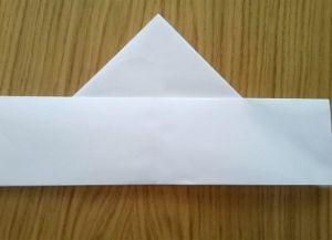 Како преклопити папирне салвете за сервисирање 7