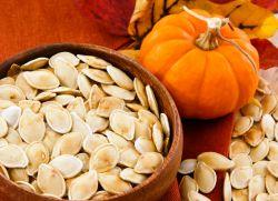 kako pršiti bučna semena v mikrovalovni pečici