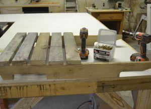 Jak vyrobit dřevěné lehátko s vlastními rukama 3