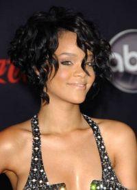 Волуметричне фризуре за средњу косу 4
