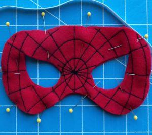 Jak zrobić maskę pająka 11