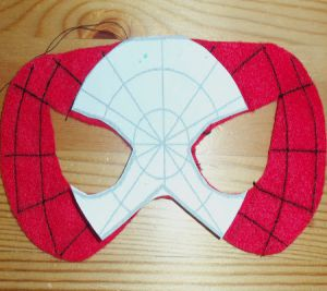 Jak vyrobit masku Spiderman7