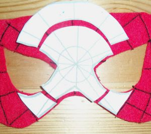 Како направити маску Спидерман9