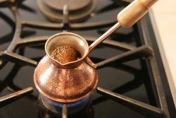 Jak ugotować kawę mieloną w tureckim domu