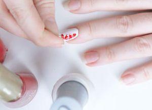 jak robić rysunki na paznokciach 13
