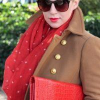Како везати шал на капуту 7