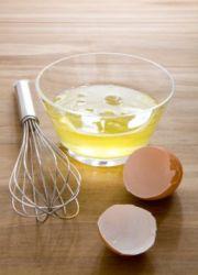 опрати главу јајима