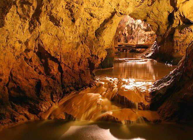Пещера Пекло