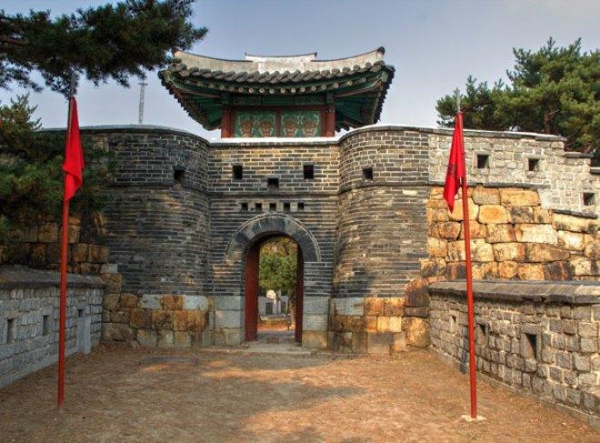 Один из входов в крепость