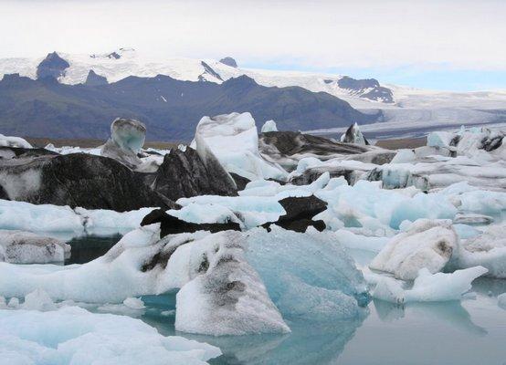 Ледяная лагуна оправдывает название Исландии - страна льда