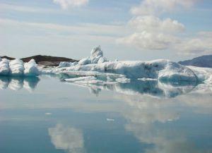 Ледяная Лагнуа с поступающей в нее морской водой