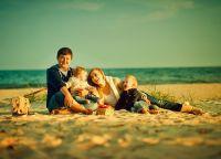 идеје за породичну фотографију напољу на лето1
