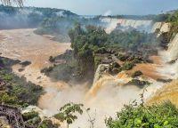 Водопады Игуасу - одно из семи природных чудес света
