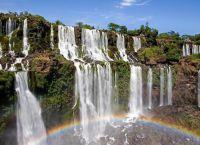 Водопады Игуасу и радуга
