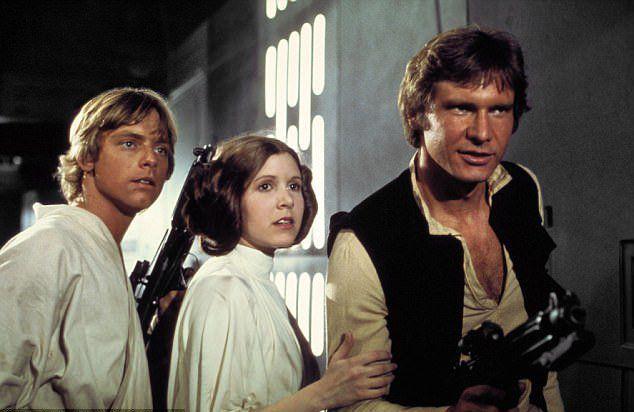 Кэрри Фишер в роли принцессы Леи в фантастической киносаге «Звездные войны»