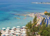 Многие пляжи награждены Голубым флагом