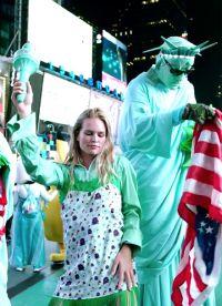 Модели натцевали под песню Freedom! '90