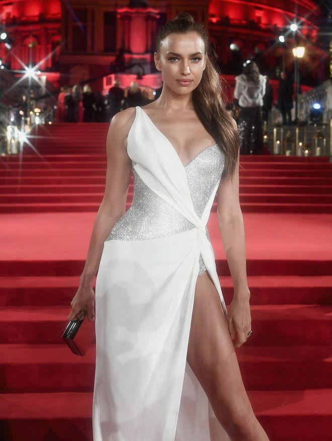 Ирина Шейк на премии The Fashion Awards 2017