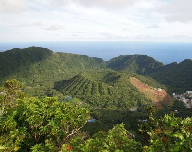 Остров-вулкан Аогашима
