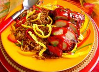 Запеченное мясо с рисом и овощами