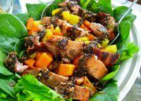 Салат с курицей-гриль