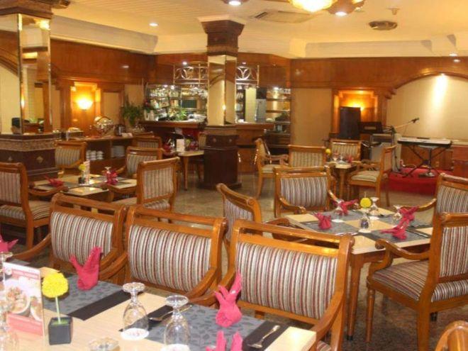 Ресторан в отеле Yasmin, Джаяпура