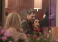 Актер провел вечер после концерта в Стокгольме в компании таинственной брюнетки