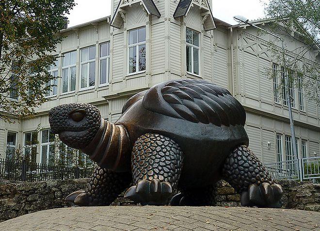 Бронзовая скульптура «Черепаха»