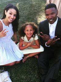 Фокс с дочерьми