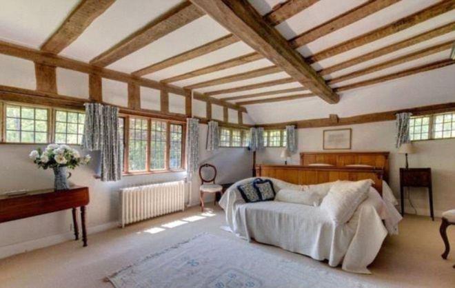 Одна из спален в доме Кита Харингтона и Роуз Лесли