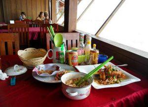 Kimly Restaurant внутри