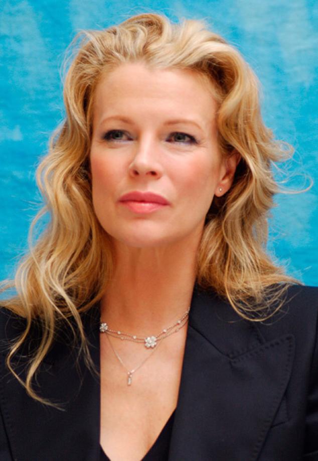 Ким Бейсингер в 2004 году