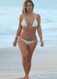 Ким Кардасхиан у купаћи костим1