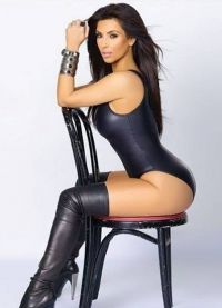 Ким Кардасхиан у купаћи костим6