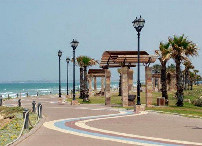 Кирьят-Ям - живописный город на морском побережье