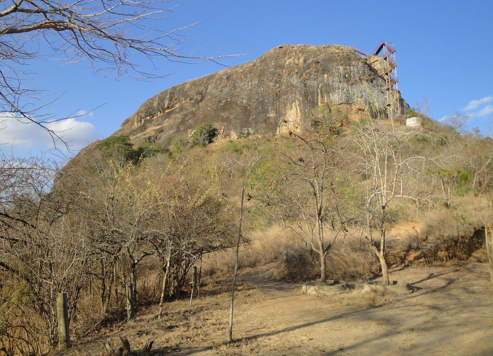 Гора Нзамбани в Китуи