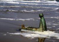 Скульптура на пляже