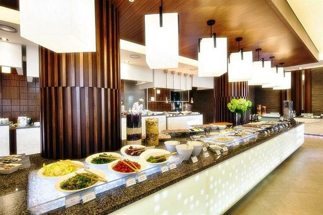 В ресторане отеля Daemyung Resort Geoje
