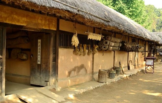 Дом корейского фермера
