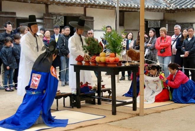 Свадьба в фольклорной корейской деревне